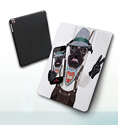 Funda para iPad 9,7 Pulgadas, 2018/2017 Modelo, 6ª / 5ª generación,Perro Tonto Loco Pug Disfrazado de bávaro con Pan de Jengibre como Collar Victoria o Smart Leather Stand Cover with Auto Wake/Sleep