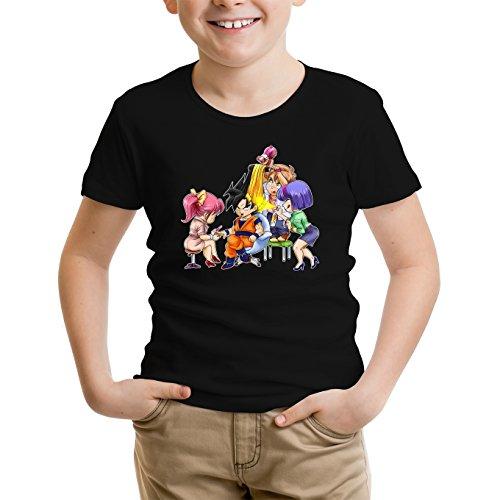 Okiwoki T-Shirt Enfant Noir Dragon Ball Z - DBZ parodique Sangoku Se transformant en Super Guerrier : Séance de Maquillage ! (Parodie Dragon Ball Z - DBZ)