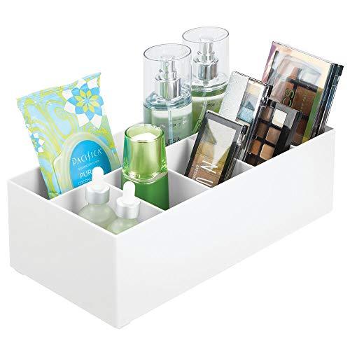 mDesign Schminkaufbewahrung für Wasch- oder Schminktische – Aufbewahrungsbox aus BPA-freiem Kunststoff für Make-up – moderner Kosmetik Organizer mit 6 Fächern – weiß
