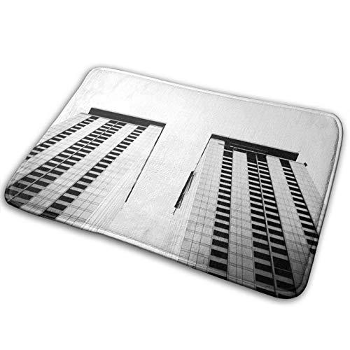 FULIYA Felpudo antideslizante, superabsorbente, ideal para puertas de baño y dormitorio, tamaño pequeño 40 x 60 cm, arquitectura, cielo, bw, vista inferior, edificios