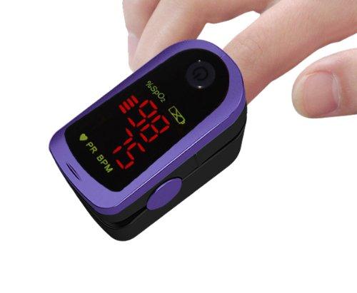 OxyWatch MD300C13 - Oxímetro para el dedo (incluye bolsa de almacenamiento, correa, funda de silicona y pilas)
