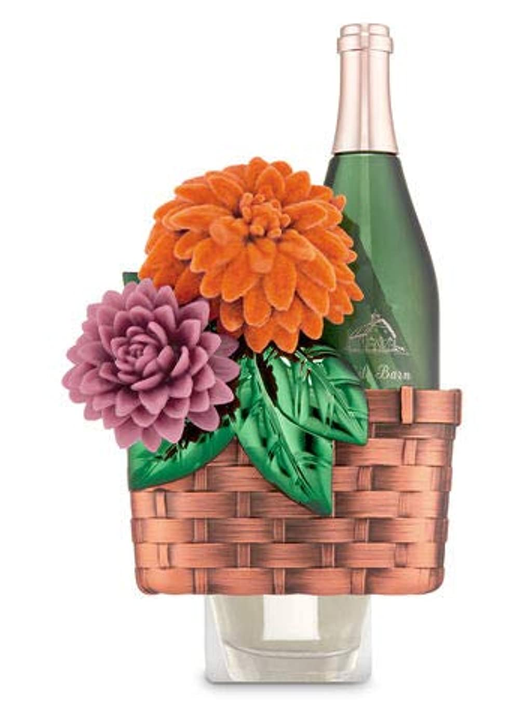 信頼性のある石鹸ホット【Bath&Body Works/バス&ボディワークス】 ルームフレグランス プラグインスターター (本体のみ) ワインバスケット Wallflowers Fragrance Plug Wine Basket [並行輸入品]