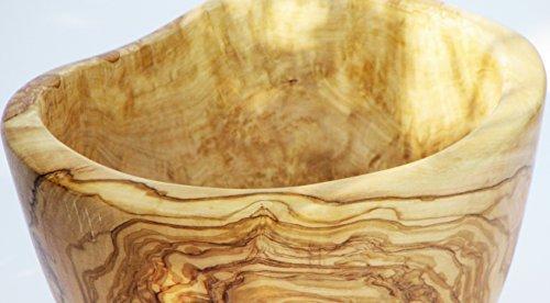 Figura Santa rustieke fruitschaal TUTTIFRUTTI van oud olijfhout, met zeer mooie nerf. Geolied voedselveilig. Elke kom is uniek. Diameter: ca. 22-23 cm.