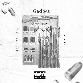 Gadget (feat. Toosie)