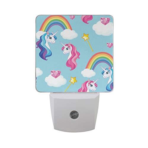 AOTISO Colorido unicornio con arco iris Nube blanca Diamante Corazón Hada Palo en cielo azul Sensor automático Luz de noche Enchufe en interiores