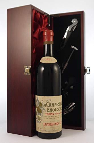 Barbaresco 1961 Al Campionato Enologico in einer mit Seide ausgestatetten Geschenkbox, da zu 4 Weinaccessoires, 1 x 750ml