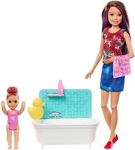 Barbie Bambola Skipper Caucasica Babysitter con Vasca da Bagno, Bambina che Muove Le Braccia e Accessori, Giocattolo per Bambini 3 + Anni, FXH05