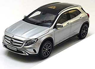 1/18 Mercedes Benz GLA DIECAST MODEL CAR (SILVER)