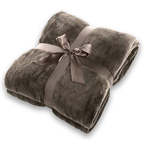 Gräfenstayn® Kuscheldecke flauschig und super weich - hochwertige Fleecedecke auch als Wohndecke, Tagesdecke, Sofadecke und Sommerdecke geeignet - Überwurf Decke Sofa und Couch (Dunkelbraun, 200x150 cm)