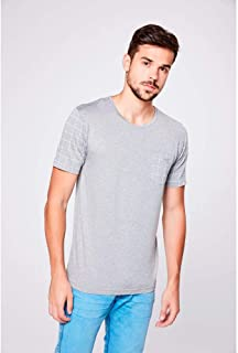 Camiseta Cinza com Detalhes Xadrez
