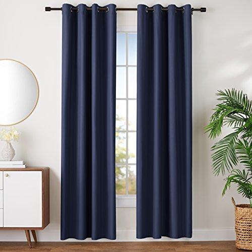 Amazon Basics - Juego de cortinas que no dejan pasar la luz, con ojales, 140 x 245 cm, Azul marino