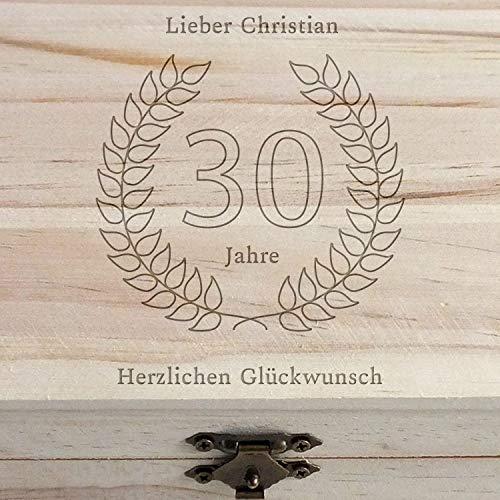 Geschenke.de Personalisierbare Schatztruhe Holz mit Gravur für Geschenke zum 30 Geburtstag Männer und Geschenke zum 30 Geburtstag Frauen, Schatzkiste Holz mit Gravur groß - 3