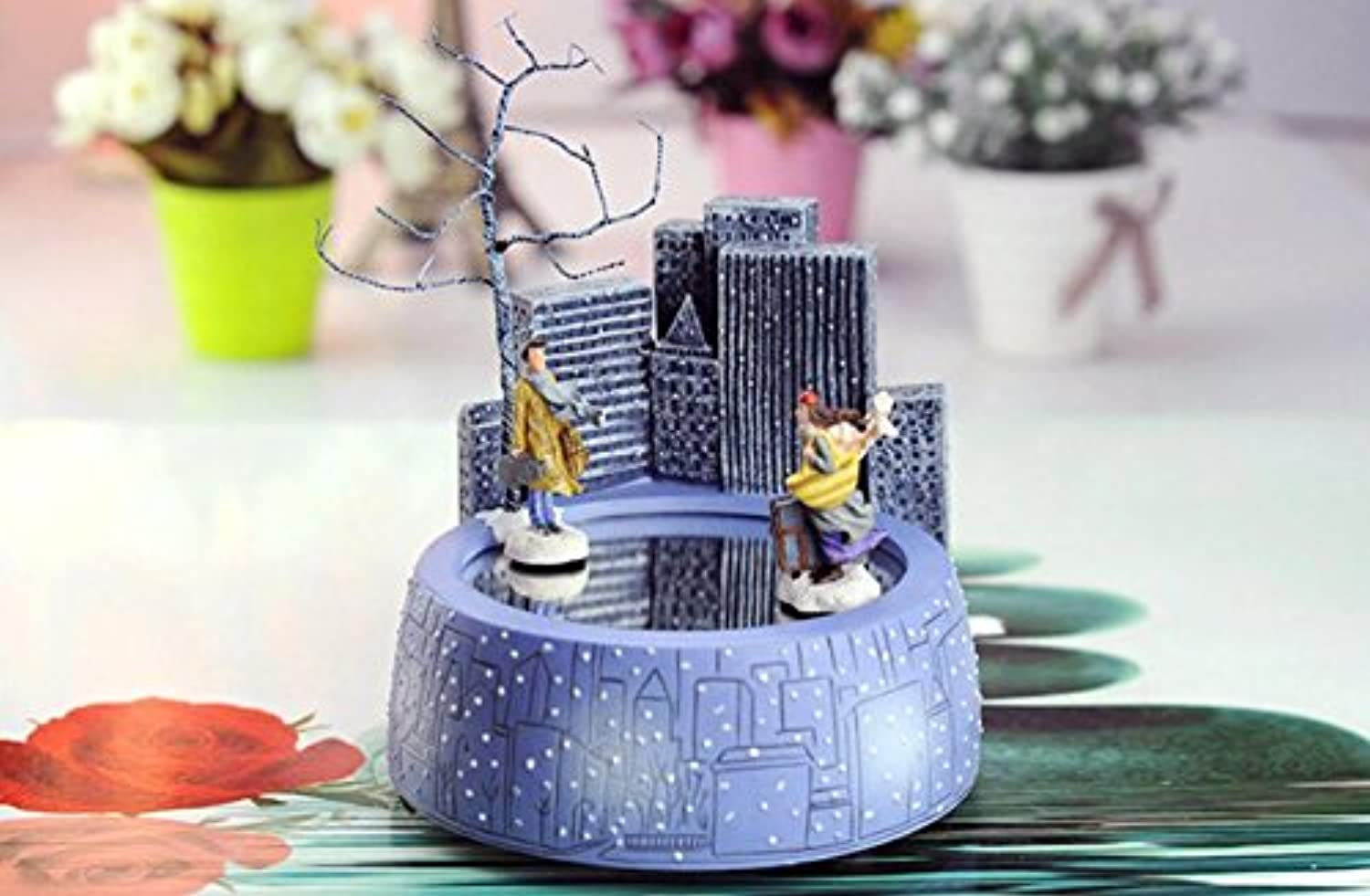 Box Music Creative Resin Music Box Boy Boy Boy and Girl Meet by The Magnet for Christmas GiftsMeet 9ee0ea