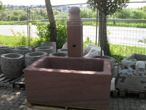 Dorfbrunnen aus rotem Sandstein Granit Trog Fountain Becken Granitbrunnen Brunnen Sandsteinbrunnen