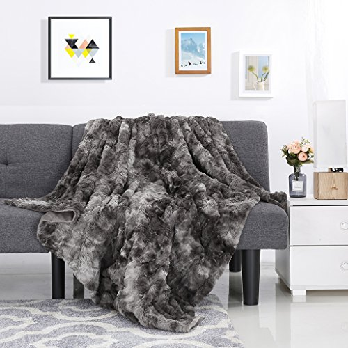 LANGRIA Luxury Super Soft Faux Fur Fleece Throw Blanket Cozy Fluffy Warm Breathable Lightweight and Machine Washable Dyed Fabric for Winter – Decorative Throw for Couch Sofa Bed (50' x 60', Grey)
