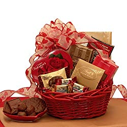 Valentine's day gifts for Vietnamese girlfriend: Chocolate basket