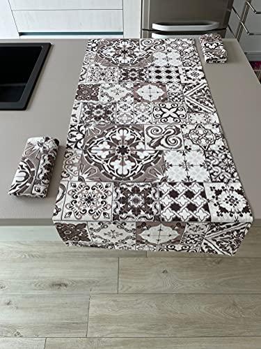 1KDreams Juego de mantel y 2 servilletas, diseño moderno y a la moda, con diseño de mayólicas y azulejos, fabricado en Italia (juego de 50 x 140 cm + 2 40 x 40 cm)