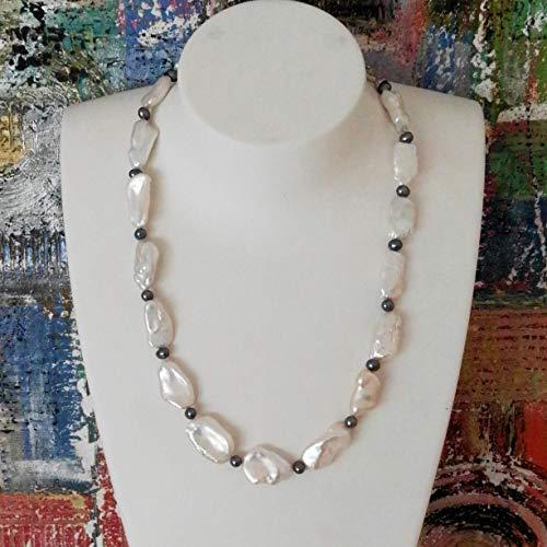 LaCatella Perlenkette weiß schwarz Süßwasserperlen große Biwa Länge 50 cm Collier