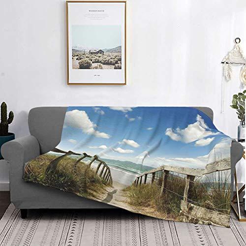 Minalo Personalisiert Vlies Decke,Sandy Path führt zu Ocean Pacific Puffy Clouds Vacation Serene Relaxing Beach,Wohnzimmer/Schlafzimmer/Sofa Couch Bett Flanell Decke Werfen,80' X 60'