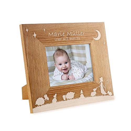 Casa Vivente Bilderrahmen mit Gravur zur Taufe, Motiv Schäfchen, Personalisiert mit Namen und Datum, Fotorahmen aus Holz, Taufgeschenk