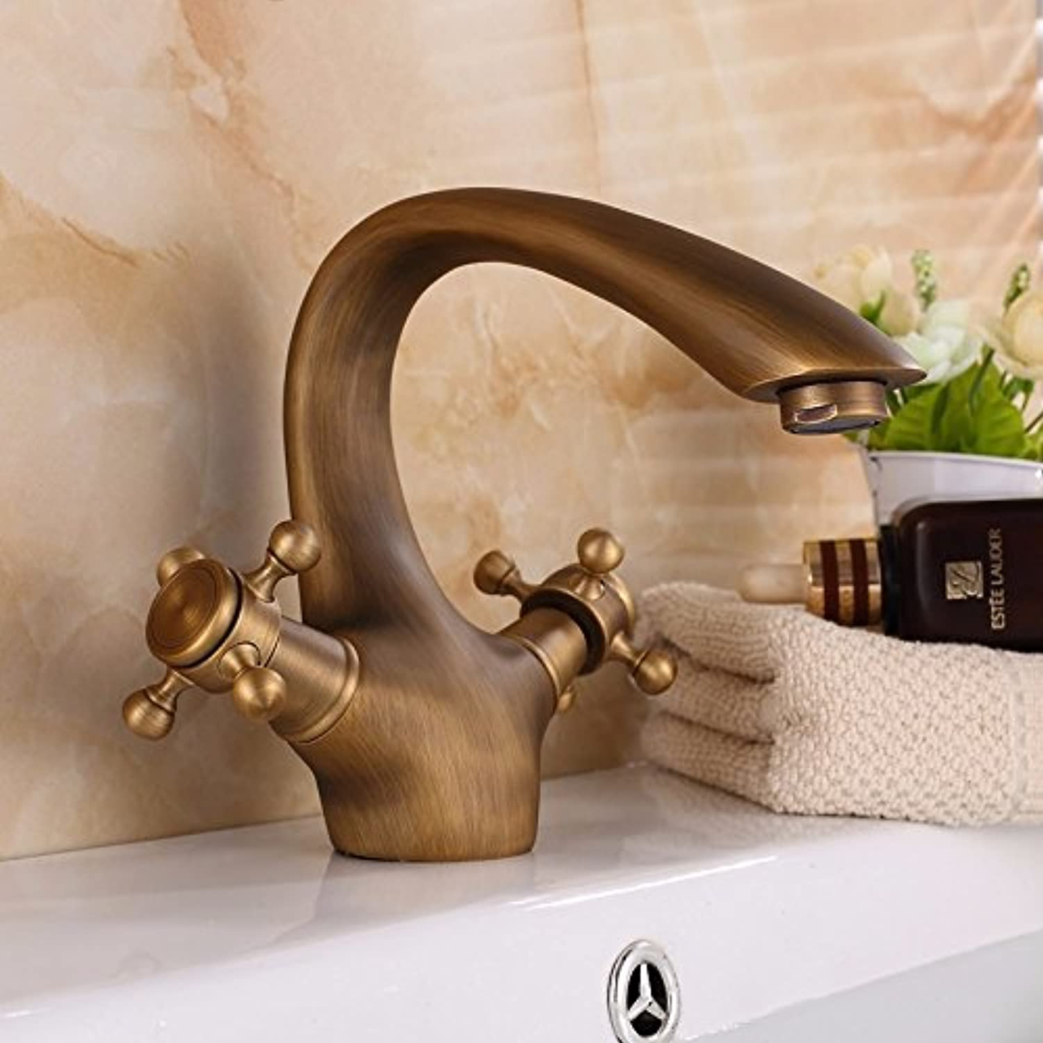 Hlluya Professional Sink Mixer Tap Kitchen Faucet The Antique brass faucet cold-hot water tap