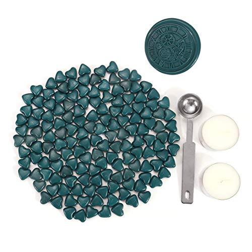 Mogokoyo Set di 150 Pezzi di Perle di Ceralacca a Forma di Cuore con 2 Pezzi Candele di tè + 1 Cucchiaio per Timbro e Sigillo, Verde Scuro