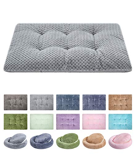 Fuzzy Deluxe Pet Beds, Super Plush Dog or Cat Beds Ideal for Dog Crates, Machine Wash & Dryer Friendly (15' x 23', S-Grey)