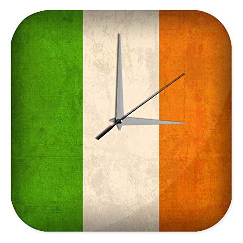 LEotiE SINCE 2004 Wanduhr mit geräuschlosem Uhrwerk Dekouhr Küchenuhr Baduhr Urlaub Reisebüro Deko Irland Flagge Acryl Uhr Retro