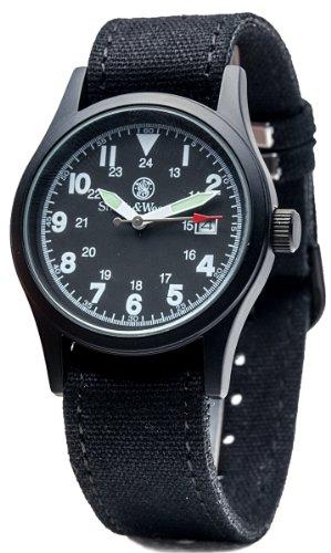 Smith & Wesson Herren-Armbanduhr, Militär-Stil, 3 ATM, Japanisches Uhrwerk, Datumsanzeige, 3 austauschbare Canvas-Bänder, Gehäuse und Zifferblatt, 38 mm, Schwarz