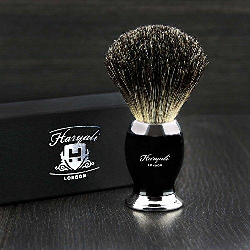 Brosse de rasage noire et métal avec poils de toit noirs purs pour homme.