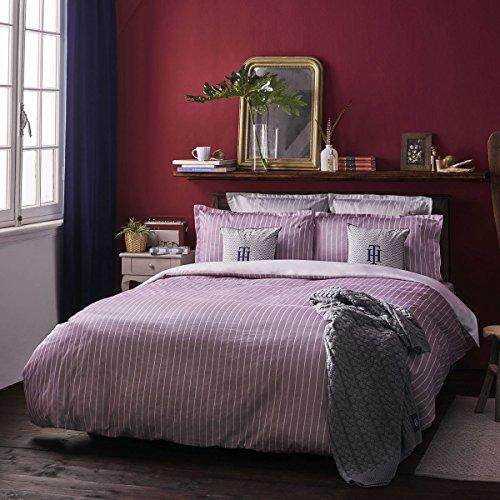 Tommy Hilfiger Zirvehome - Juego de cama (satén mako, 1 funda nórdica de 200 x 200 cm y 2 fundas de almohada de 80 x 80 cm), diseño de rayas, color burdeos