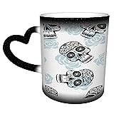 Tazza da caffè/tè in ceramica con teschi di zucchero stilizzati, multicolore, 325 ml