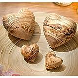 NATUREHOME Herz aus Olivenholz – Holz Handschmeichler Glücksbringer ideal als Geschenk zur Hochzeit Taufe Geburt Geburtstag oder als Schutzengel Anti-Stress Holzherz Deko (5 cm) - 3