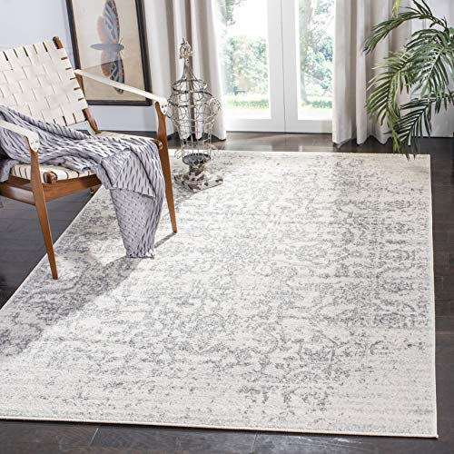 Safavieh Madison Collection MAD603G Vintage Medallion Distressed Area Rug, 5' 1' x 7' 6', Silver/Ivory