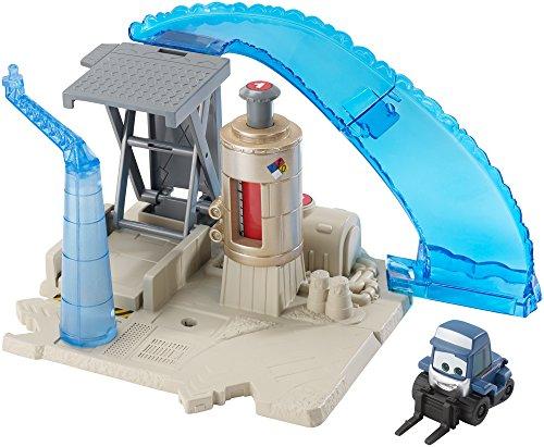 Disney Planes: Fire & Rescue Maru's Fuel Stop Story Set by Mattel