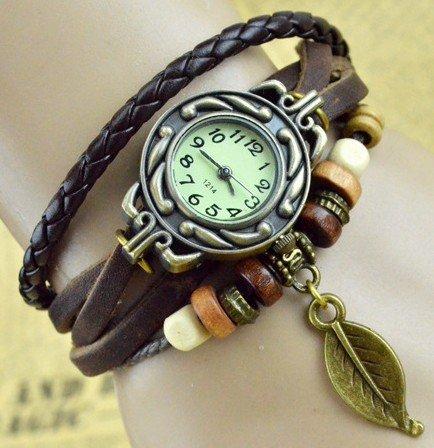『【アンティーク風 レザー ブレスレット ウォッチ リーフ チャーム付】本革 ベルト クォーツ腕時計 (グリーン)』の1枚目の画像