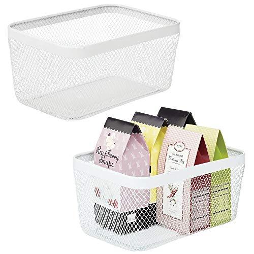 mDesign 2er-Set Allzweckkorb – Aufbewahrungskorb aus Metall für Küche, Vorratskammer, Bad etc. – kompakter und universeller Drahtkorb – weiß