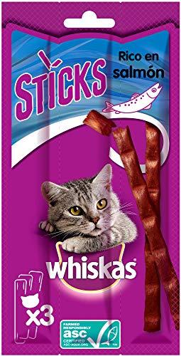 Whiskas Premios para Gatos en forma de Sticks Sabor Salmón (Pack de 28 x 18g)