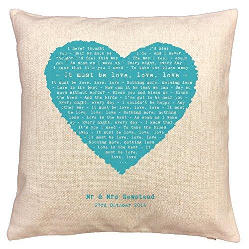 Not Just A Print Locura, debe ser Love–Diseño de corazón canción palabras/letras de canciones cojín–Ideal algodón 2nd aniversario regalo–con tu propia personalización
