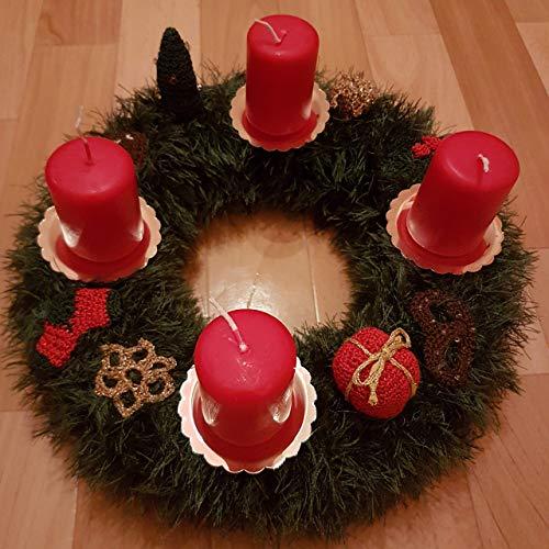 Adventskranz - handgemacht, gestrickt, in klassischen Weihnachtsfarben