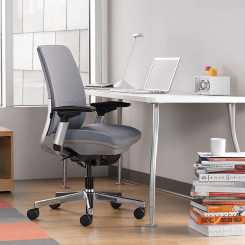 Steelcase Amia Review: Is This Office Chair Worth It?
