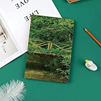 Ipad Pro 11 ケース(2018モデル) 軽量 薄型2つ折スタンド オートスリープ機能付き 全面保護 2018秋発売のiPad Pro 11に対応 スマートカバー装飾的な夏の庭の明確な流れの上のかわいい花で飾られた小さな橋