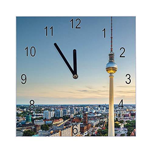 banjado Wanduhr aus Glas | geräuscharme Uhr 30x30cm | Glasuhr für Küche, Büro, Wohnzimmer, Kinderzimmer | Motiv Alexanderplatz