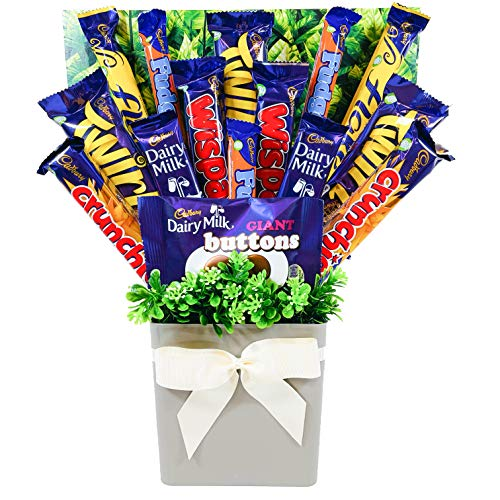 Cadbury Chocolate Lovers Bouquet Gift Hamper with 15 Full Sized Chocolate Bars in Presentation Box