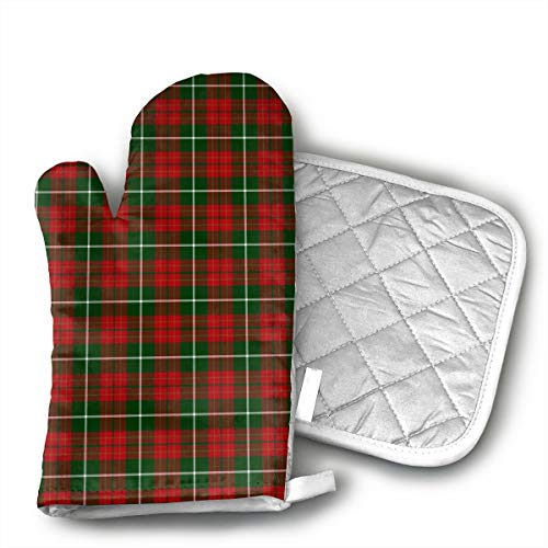FUNINDIY Red and Green Tartan Plaid Decorative Oven Mitts and Potholder Set Heat Resistant Oven Gloves with Non-Slip Grip Hanging Loop for Cooking or Baking Set of 2
