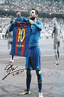Lionel Messi Autograph Replica Poster - Barcelona Jersey Pose