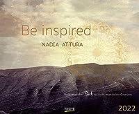 Be inspired 2022: Kunstkalender mit Bildern von Nadia Attura. Grosser Wandkalender mit Werken voller Inspiration. Querformat: 55x45,5 cm.