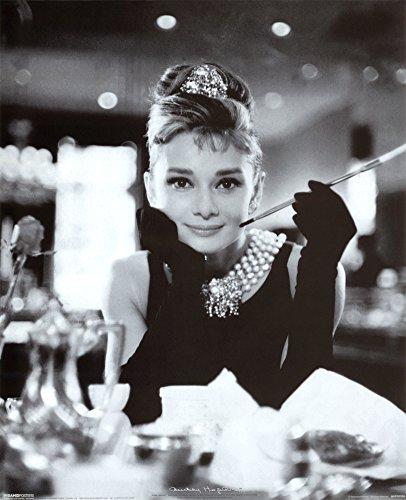 Audrey Hepburn (Breakfast at Tiffany's) Poster Format B X H : 50 x 40 cm