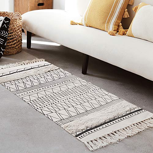 Cotton Woven Boho Rug 2x4.3 ft LEEVAN Black and White Geometric Area Rug Tufted Chic Throw Runner Rugs with Tassel Washable Floor Mat Bedroom Rug for Laundry Kitchen Living Room