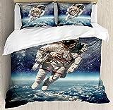 Juego de funda nórdica Galaxy, astronauta flota en el espacio ultraterrestre con el planeta Tierra Globo Surreal Gravity Image Space Art, juego de cama decorativo de 3 piezas con 2 fundas de almohada,